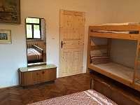 Ložnice 2 - pohled od okna
