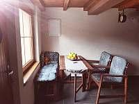 posezení v kuchyni - chata ubytování Lučina