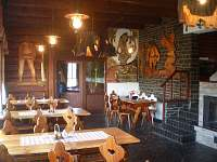 Interiér restaurace - pohled 2