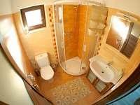 koupelna v patře - Hovorany