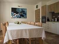 Kuchyň + společné posezení - Moravský Žižkov