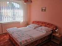 Apartmán - červený pokoj