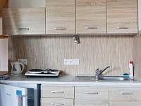 kuchyňka přední apartmán - pronájem Jevišovka