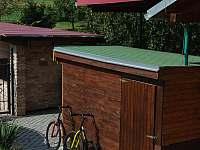 úschovna na kola a koloběžky - Jevišovka