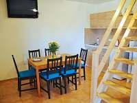 zadní apartmán jídelna