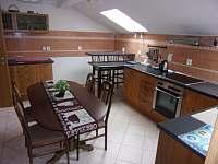 Apartmán 1B - kuchyně s jídelnou - k pronájmu Podivín