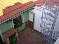 Terasa u apartmánu - k pronájmu Valtice