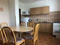 kuchyně přízemí - ubytování Perná