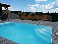 bazén - chalupa ubytování Dražůvky