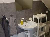 Koupelna v 2. patře - Drnholec