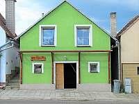 Chata k pronajmutí - okolí Novosedel