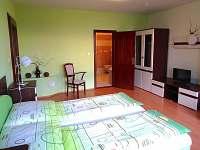 pokoj dole a koupelna - apartmán k pronajmutí Sedlec u Mikulova