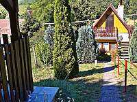 Výhled od altánku - chata k pronajmutí Perná