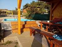 nová terasa u bazénu