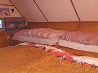 ložnice v podkroví - chata k pronajmutí Ruprechtov