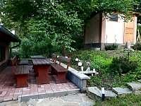 Venkovní terasa - chalupa k pronajmutí Javorník