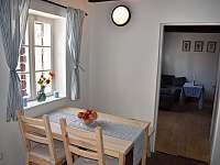 Průhled z kuchyně do ložnice - Týnec u Břeclavi