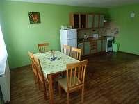 Jídelna s kuchyní - chata k pronajmutí Pasohlávky