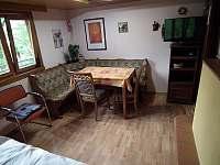 2) obývák jídelák