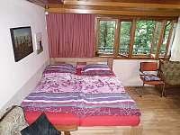 2) obývák (manželská + výsuvné lůžko)