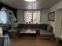 Obývací pokoj - sedačka - chalupa ubytování Stupava
