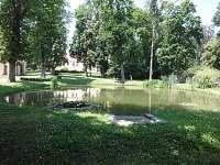Zámecký park Miroslavské Knínice