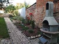 zahrada s posezením - Mikulov