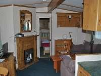 Mobilheim Vranov nad Dyjí - Pohled z kuchyně přes obývák na ložnici č. 2