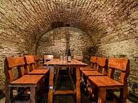Vinný sklípek Moravské chalupy - k pronájmu Zaječí