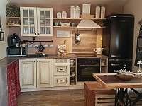 kuchyně v přízemí - chata k pronajmutí Vápenice - Mikulčin Vrch