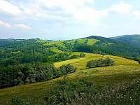 pohled do Bošácké doliny - Vápenice - Mikulčin Vrch