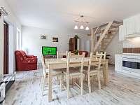 Kuchyně s obývacím pokojem - apartmán k pronajmutí Kurdějov
