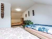 Ložnice I. 2+3 - pronájem apartmánu Kurdějov