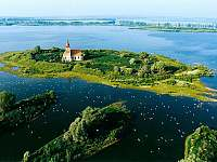 Mušovská jezera, kostel Sv.Linharta - Bavory u Mikulova