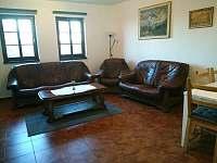 obývací pokoj - chata k pronájmu Pavlov