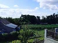 Pohled z balkonu za sklep - chata ubytování Prušánky - Nechory