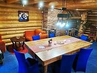 Velký jídelní stůl... - pronájem srubu Salaš u Velehradu