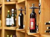 Vinotéka s bohatou nabídkou vín od regionálních vinařů - Kyjov