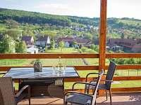 výhled z terasy chaty