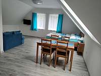 Dům 47 - modrý apartmán - rekreační dům k pronajmutí Lukov