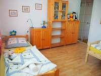 Žlutý apartmán-dětský pokoj