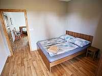 Apartmán s terasou - přední pokoj s klimatizací, wi-fi. - ubytování Sedlec u Mikulova