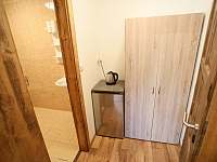 Dvoulůžkový - předsíňka - ubytování Sedlec u Mikulova