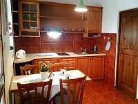 Květinový apartmán, přízemí, kuchyň