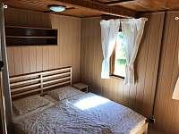 Ložnice 1 - pronájem chaty Jedovnice