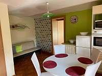 Kuchyň - apartmán k pronájmu Uherské Hradiště