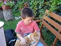 Na dvorku máme psa Majkyho,kocoura Dejvida a kotě Adolfa - Uherské Hradiště
