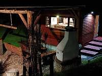 GOLD VALLEY - domeček v noci - pronájem chaty Hostěnice
