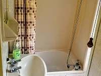 Koupelna a sprchový kout s vaničkou - Hostěnice