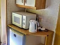 Kuchyně - chata k pronájmu Hostěnice